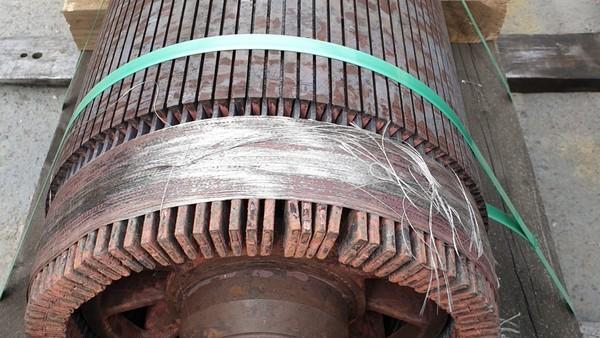 InterUtil - Reparatie Motor 220KW SIEMENS 500V 580rpm (inainte)